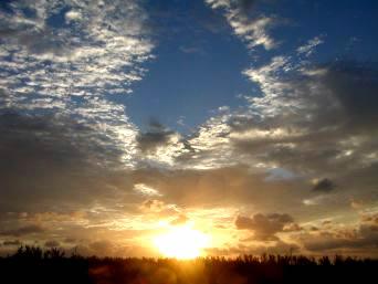 久米奥武島の奥武島からの朝日