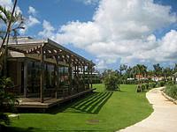 久米奥武島のバーデハウス久米島 - 畳岩と反対側はグラウンドゴルフ場?