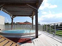 久米奥武島のバーデハウス久米島のバーデプールゾーン - 屋外にはジャグジー風呂が有り