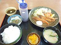 久米奥武島のレストハウス畳石 - 車エビのフライ定食です