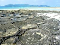 久米奥武島「畳石」