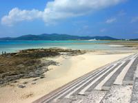 久米奥武島の畳石の写真