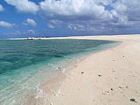 はての浜のナカノ浜西 - ツアーなどの船はこの周辺に