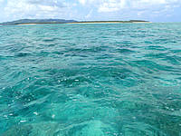 はての浜のはての浜へ行く途中の海 - オーハ島南の海の色