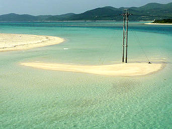 久米奥武島の奥武岬の無人島