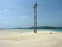久米奥武島の奥武岬の無人島 - 潮が引くと繋がります