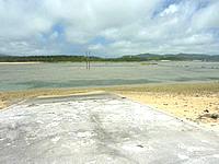 オーハ島のオーハの船着き場 - 正面に奥武島が望めます
