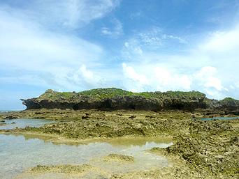 オーハ島のイチュンザ岩の東島