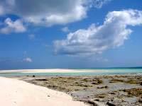 はての浜のメーヌ浜西 - ここは岩地が多いです