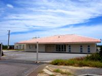 波照間島の波照間空港 - 立派な空港施設ですがまだ利用されず