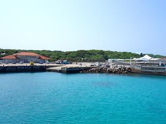 波照間島の波照間港「高速艇とフェリーでは乗り場が違うので要注意」