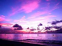 波照間島のニシ浜の夕焼け - 徐々に移りゆく夕焼け