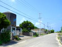 波照間島の波照間駐在所 - 集落の外側の道沿いにあります