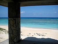 波照間島のニシ浜の吾妻屋 - この吾妻屋からの景色は抜群です