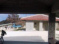 波照間島のニシ浜の吾妻屋 - 併設する施設にはトイレもシャワー・更衣も有り