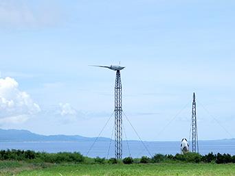 波照間島の可倒式風力発電「島の北側にあります」