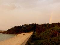 波照間島のニシ浜の夕日と虹 - 運が良ければ夕日と一緒の虹も!