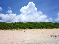 波照間島のペムチ浜/ベムチ浜 - 帰り口がわかりにくいので荷物などで印を!