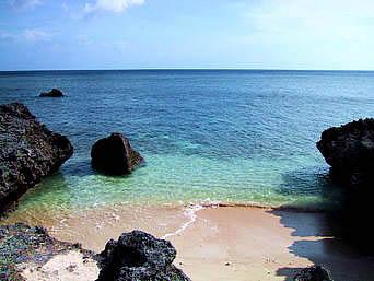 鳩間島のナラリ浜