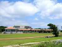 鳩間島の鳩間小中学校