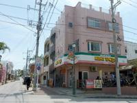 北部のキングタコス金武本店/パーラー千里