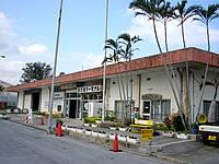 北部の旧運天港旅客ターミナル/伊平屋島行き