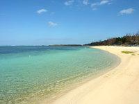 北部の備瀬ビーチ/備瀬海岸 - 岬から離れるほどビーチは綺麗かも?