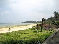 北部の新里ビーチ/具志堅エリアのビーチ - ビーチの広さはかなりあるかも?