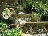 北部の水の階段/中央広場近くの滝