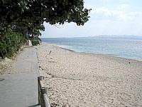伊江島の伊江ビーチ東 - ビーチは清掃が行き届いています