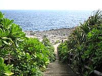 伊江島のゴルフ練習場先の海