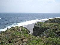 ゴルフ練習場先の海