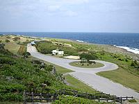 伊江島のリリーフィールド公園外の展望台 - 高台なのでリリーフィールドが一望です