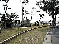 伊江島の城山登山口 - 登山口にも景色を望む場所あり