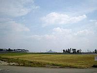 伊江島の西から城山
