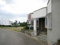 伊江島のお食事処 南風 - YYYクラブとはこのぐらいの距離
