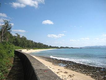 伊江島のGIビーチ東「伊江島南岸の広々したビーチです」