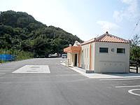 浜比嘉島の勝連浜のビーチ - トイレなどの施設はあります