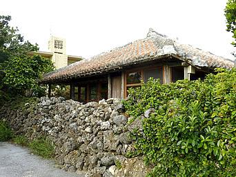 浜比嘉島の古民家食堂てぃーらぶい