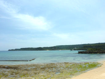 伊計島と宮城島の間の海