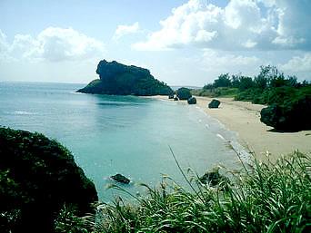 浜比嘉島のアマミチュー近くのビーチ