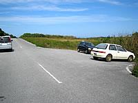 池間島の池間ロープ/カギンミビーチ/カギンミヒダ - こんな感じの駐車スペースが目印