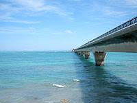 池間島の池間大橋展望広場 - 池間大橋が一望です