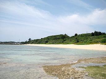 池間島のトゥイヤー(池間大橋南のビーチ)「池間大橋と池間港の間にあるビーチ」