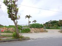 池間島のハート岩/伊良干瀬 - 現在は建物が撤去されハートの看板だけが目印に