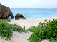 池間島のハート岩/伊良干瀬 - ビーチへ下りることもできます