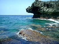 伊良部島の白鳥崎の海 - ドロップオフはかなり近いです