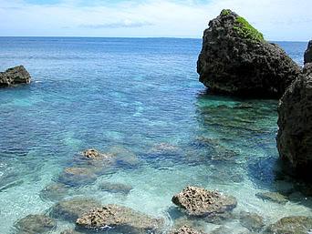 伊良部島のサバ沖井戸の海「透明度が高い海で温泉的な水質もあるって噂も」