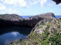 宮古列島 下地島の通り池の写真