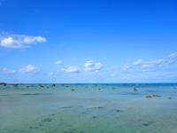 伊良部島の佐和田の浜キャンプ場/ふれあい広場 - かつての大津波で流されてきた岩々?